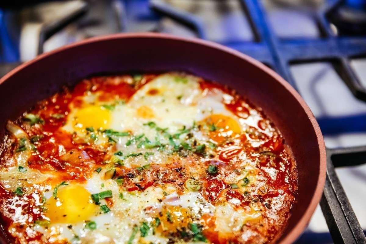 Receita de Omelete de Forno com Linguiça e Bacon Fácil