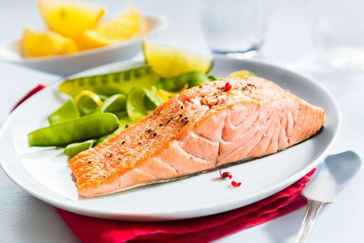 Receita de Papillote de salmão com legumes
