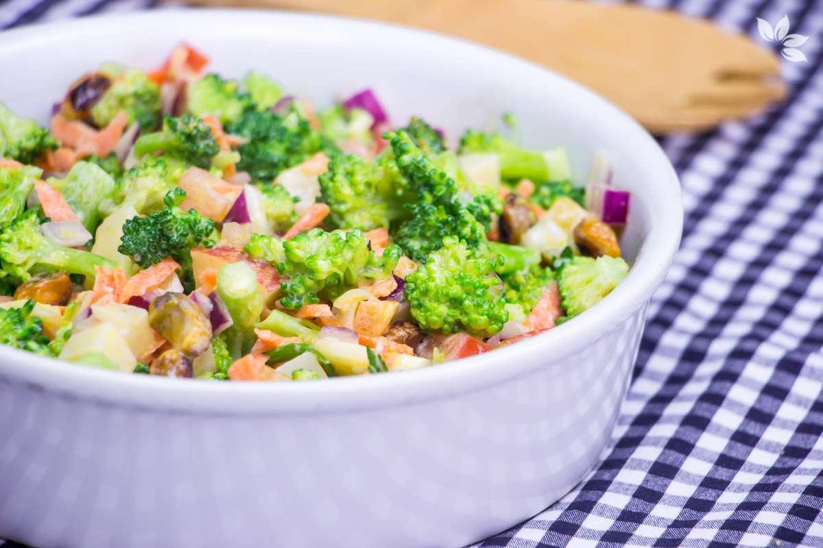 Receita de Salada de Brócolis Low carb
