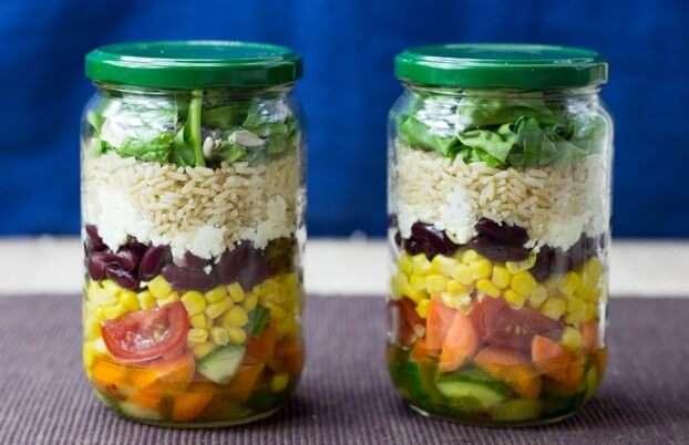 Receita de Salada com Molho de Iogurte Mostarda e Mel