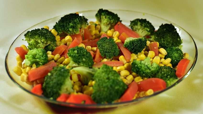 Receita de Salada de brócolis, cenoura e milho
