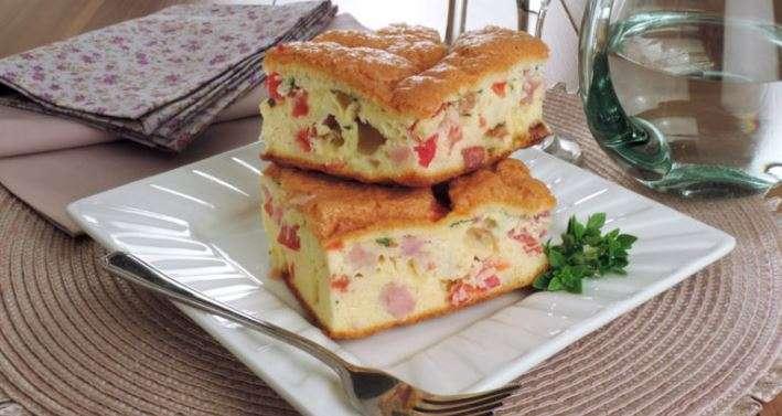 Receita prática de omelete de forno com bacon