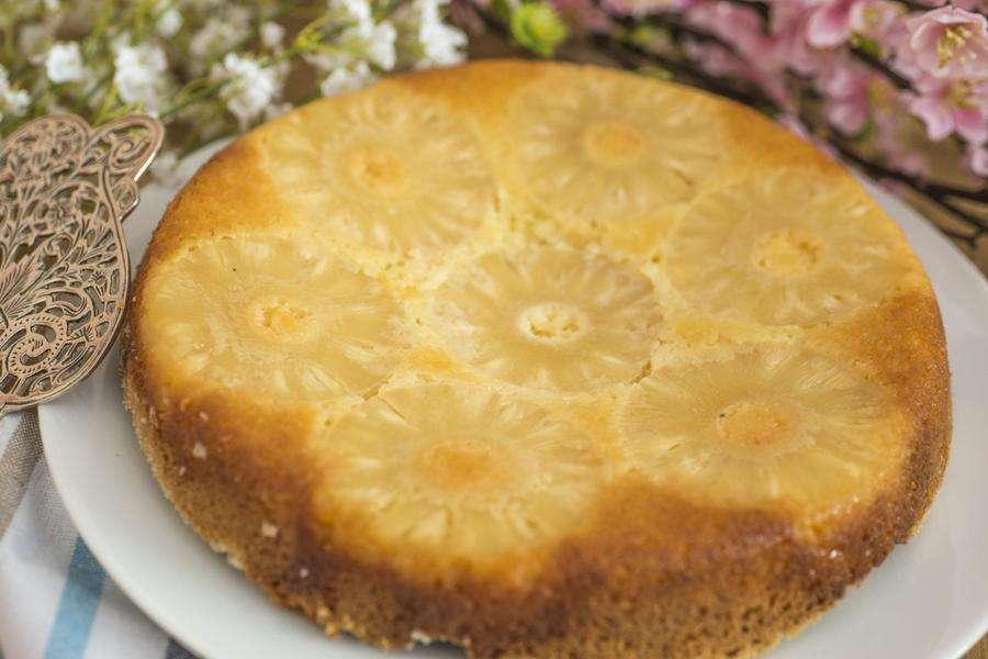Receita de Torta de Abacaxi com Massa de Laranja