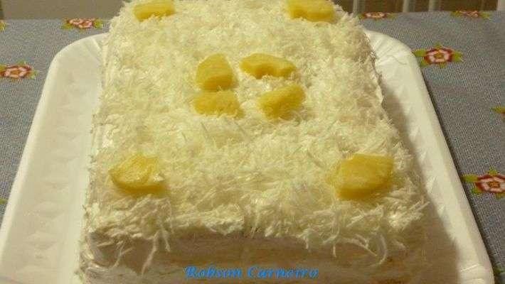 Receita de Torta mineira de abacaxi e coco