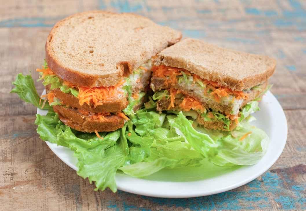 Receita de Lanche natural de frango com cenoura