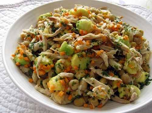 Receita de Salada de frango para almoço rápido e simples