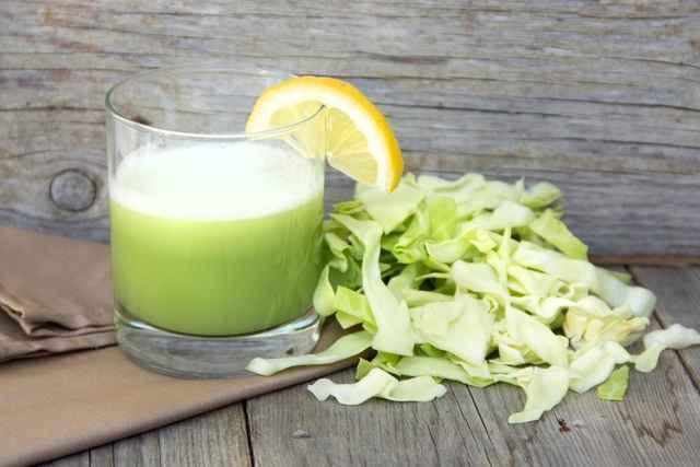 Receita de Suco de Limão com couve