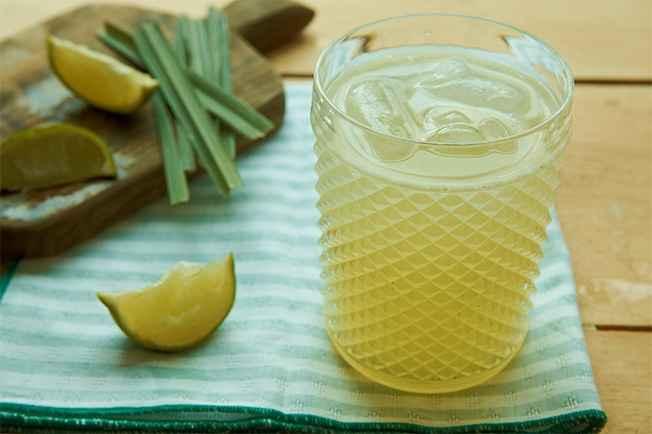 Receita de Suco de limão com capim-santo