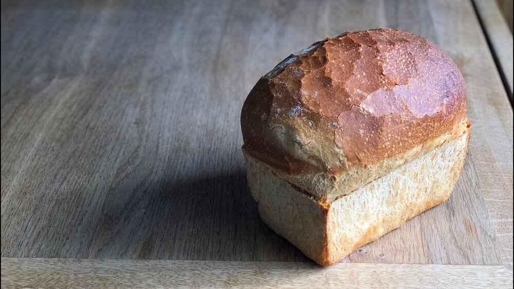 Receita de pão caseiro simples e rápido feito em casa