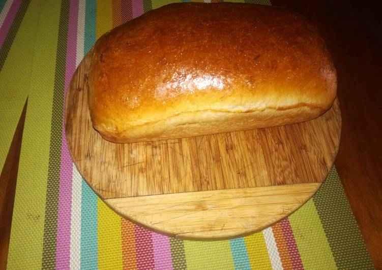 Receita de pão caseiro simples e rápido