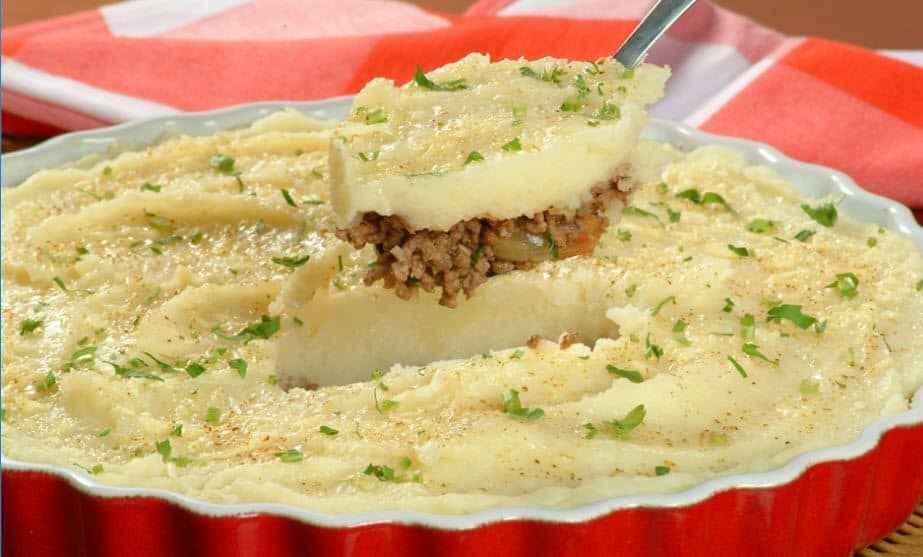 Receita de Escondidinho de carne moída com batatas Deliciosas