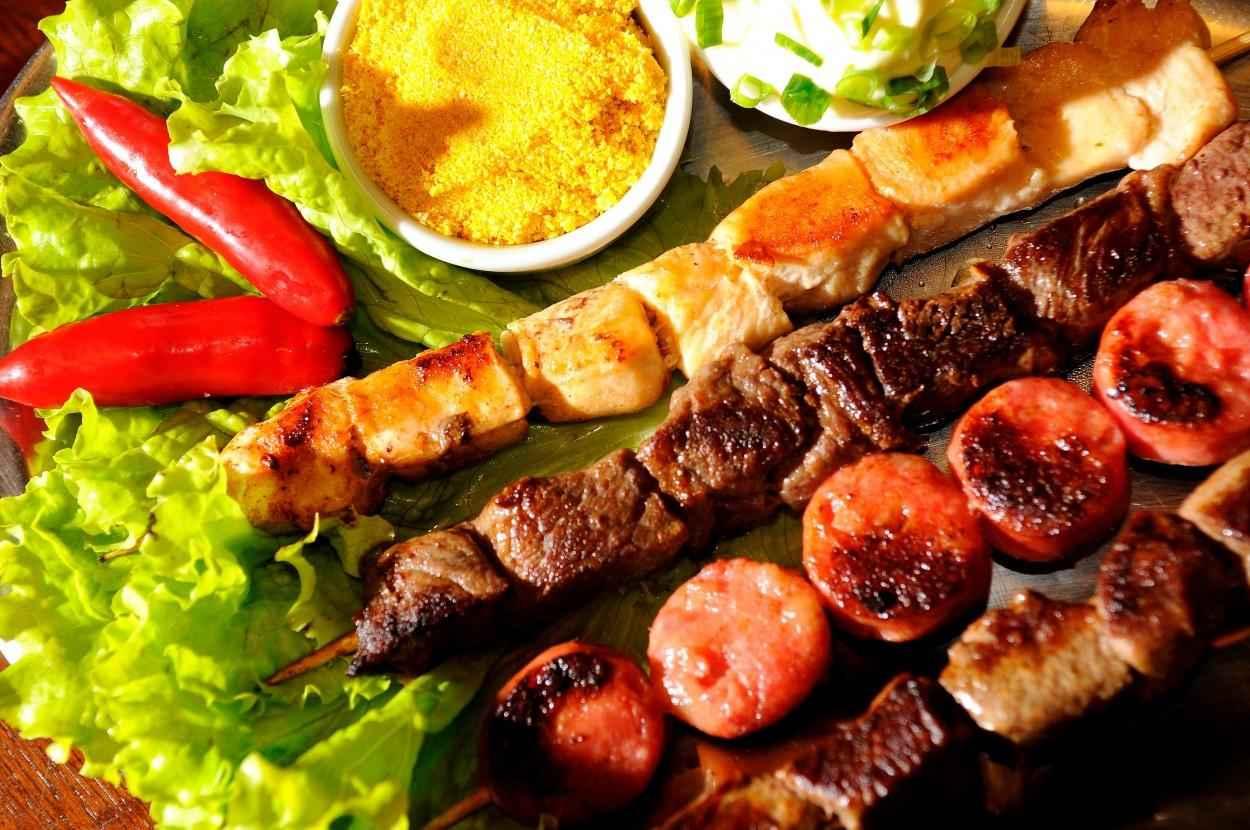 Receita de Espetinho de Carne com Pimenta e Cebola