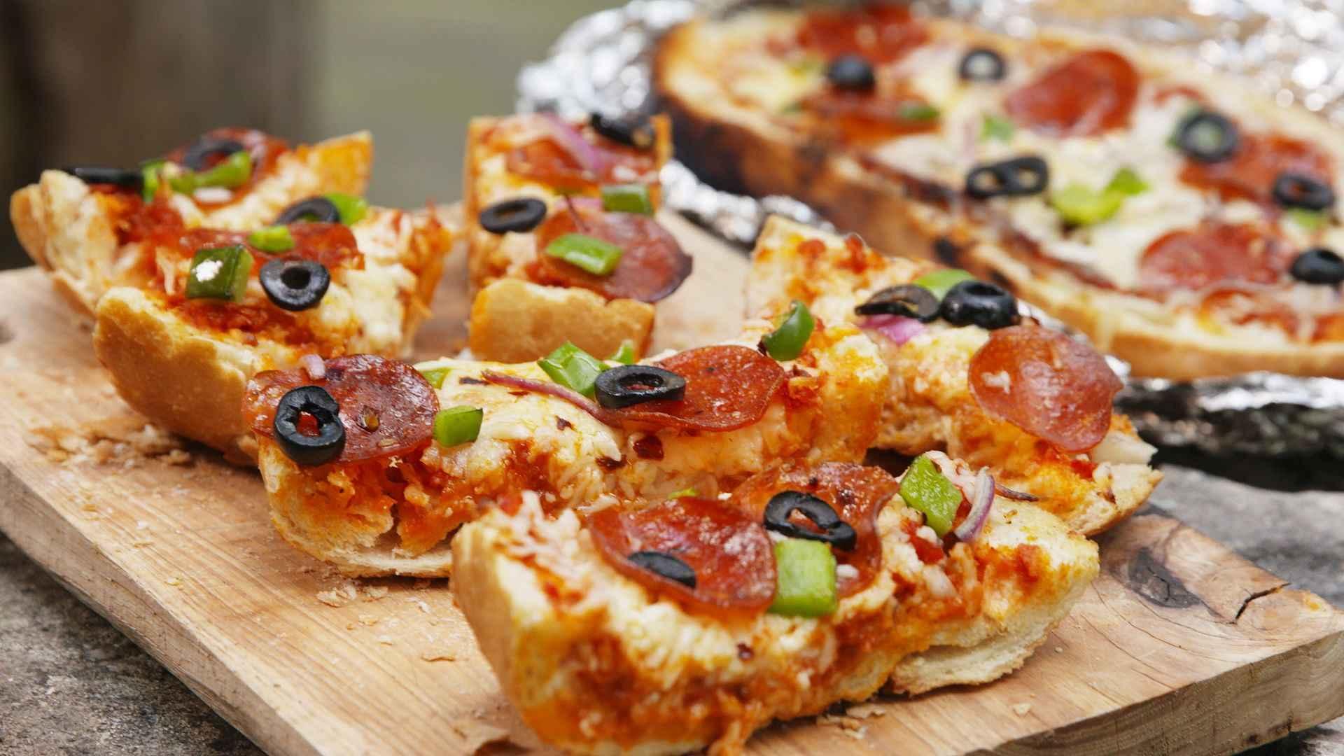 Receita de Pizza de Pão de Forma Caseira
