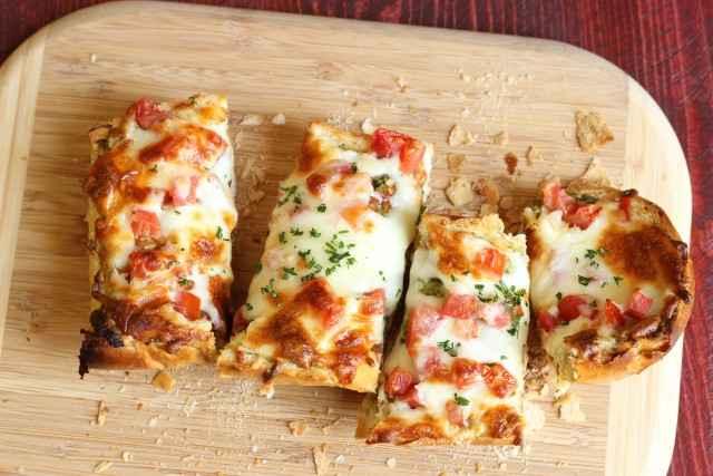 Receita de Pizza de Pão de Forma Fica pronta em 15 Minutos