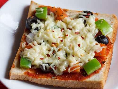 Receita de Pizza de Pão de Forma com Requeijão