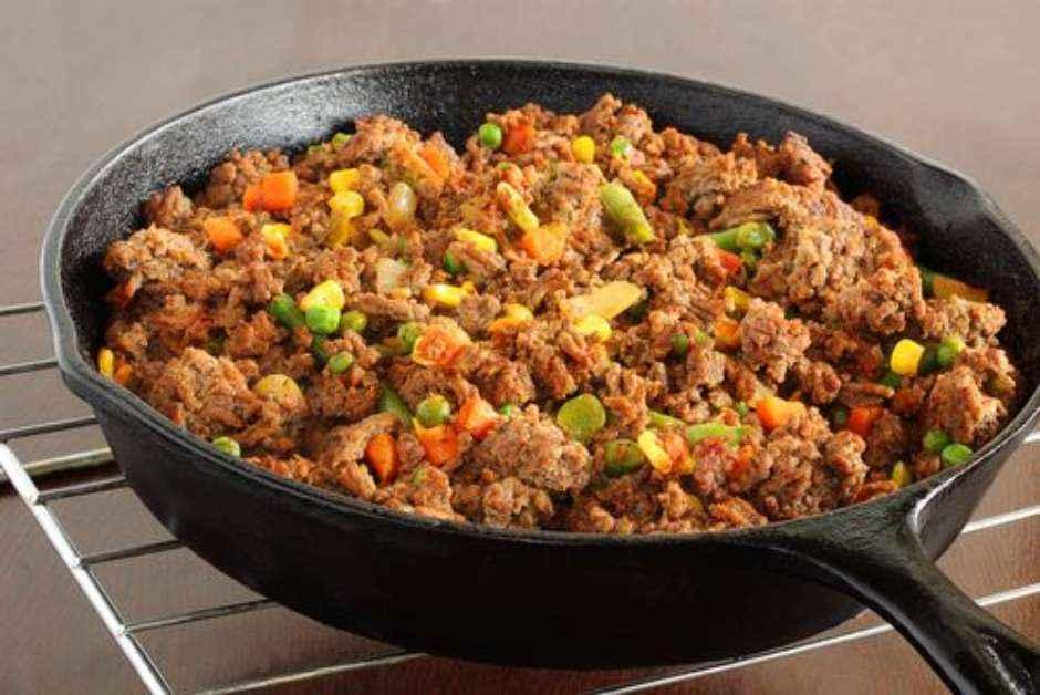 Receita de Jardineira de carne moída com legumes
