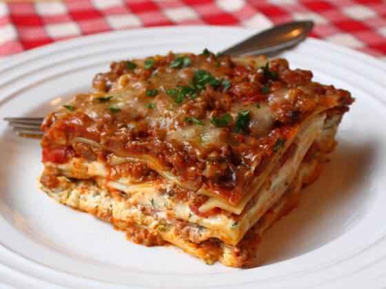 Receita de Lasanha com massa de pastel e carne moída