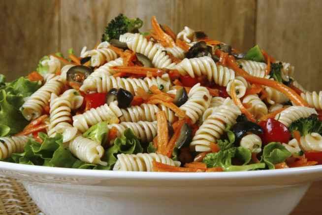 Jantar rápido e saudável de Macarrão Light