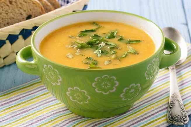 Receita de Sopa de Mandioquinha com Alho Poró