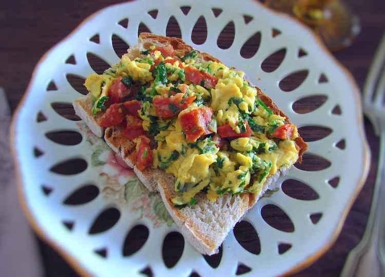 Receita de Ovos Mexidos com Chouriço
