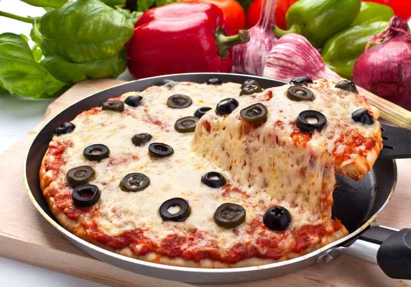 Receita de Pizza de Frigideira com Azeitonas