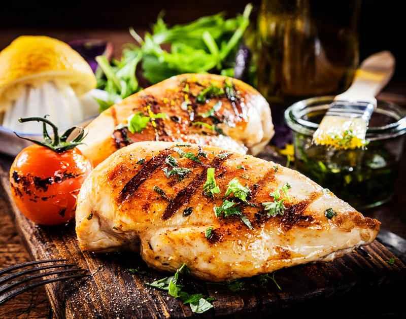 Jantar Rápido e Fácil Tudo Gostoso com Peito de Frango Grelhado