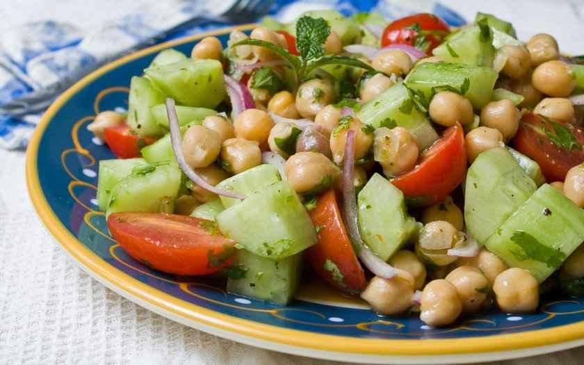 Jantar Rápido e Fácil Tudo Gostoso de Salada de Grão de Bico