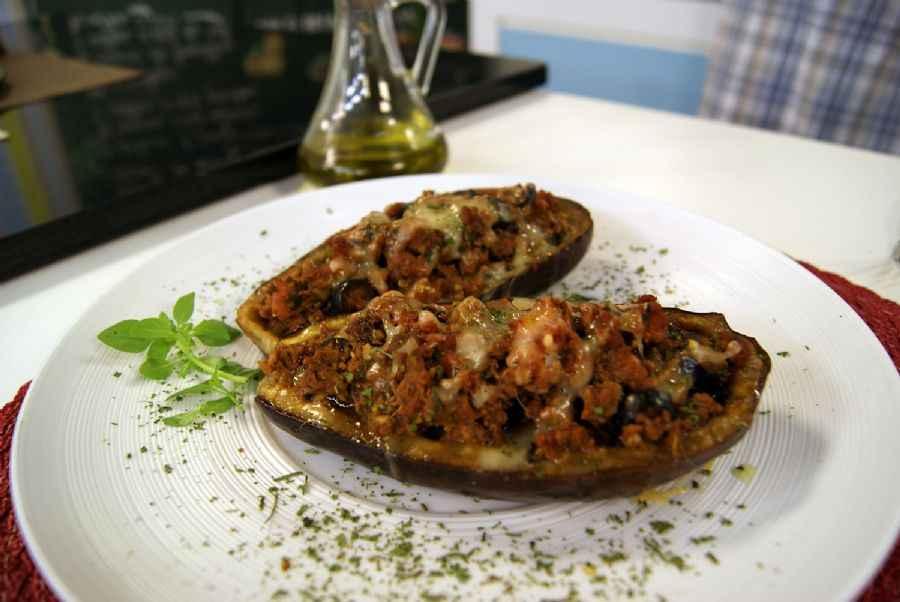Receita de berinjela recheada com carne moída Caseira