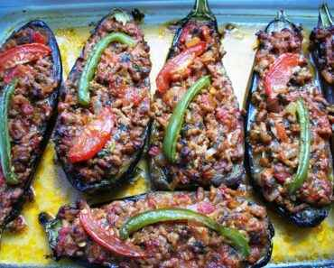 Receita de berinjela recheada com carne moída Rápida