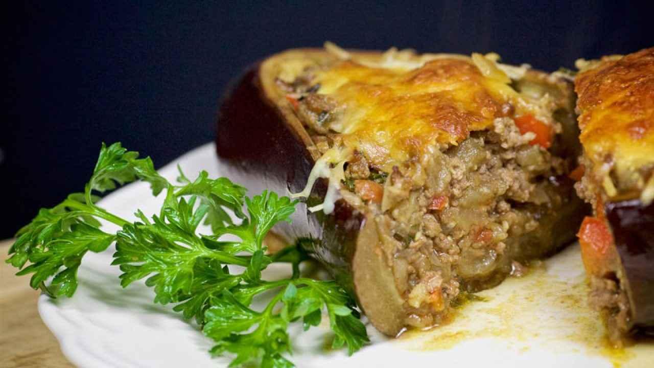 Receita de berinjela recheada com carne moída e Mussarela