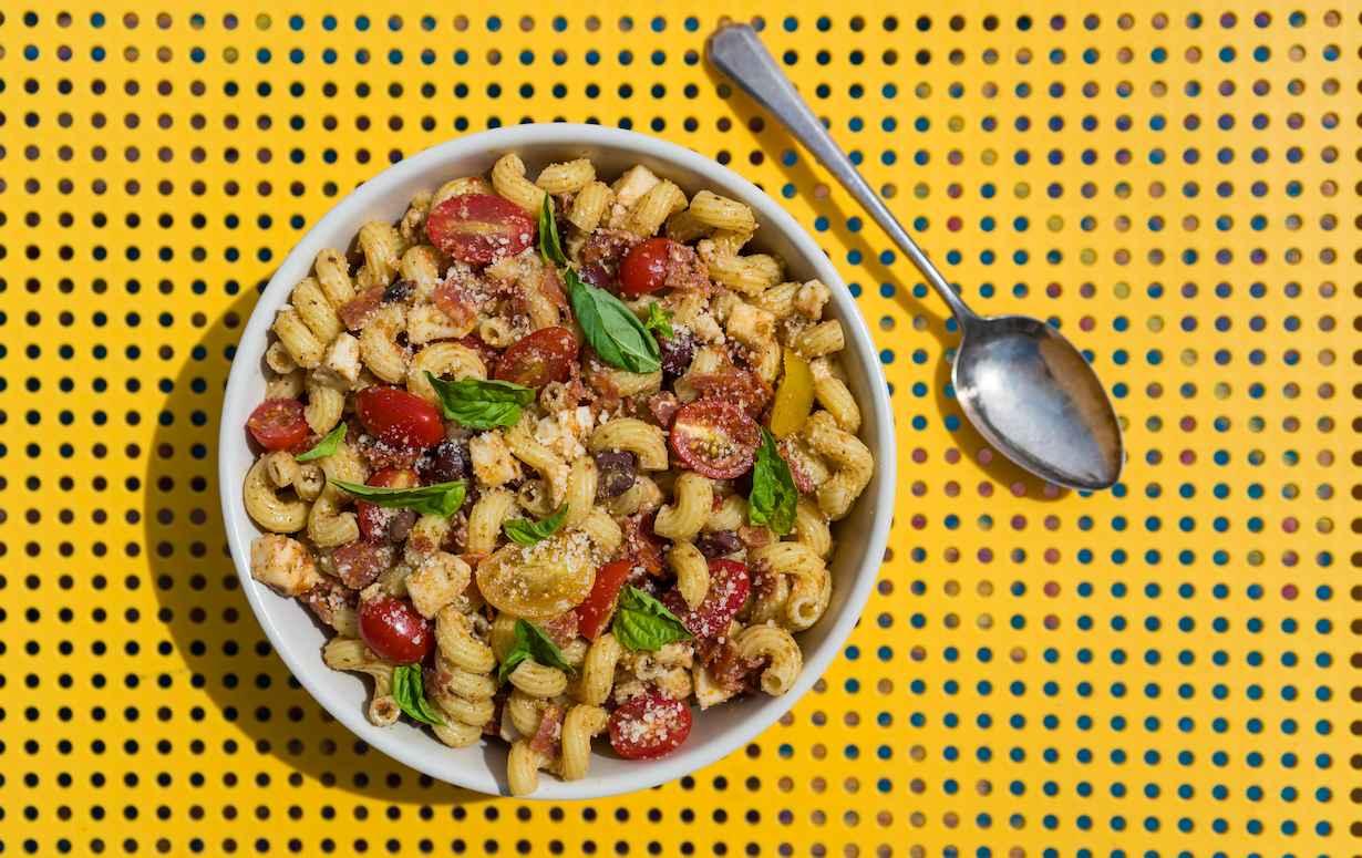 Macarrão com Calabresa | 20 Receitas incríveis de Macarrão que pode juntar Calabresa, Queijo, Molho Branco e muito mais para o seu Almoço
